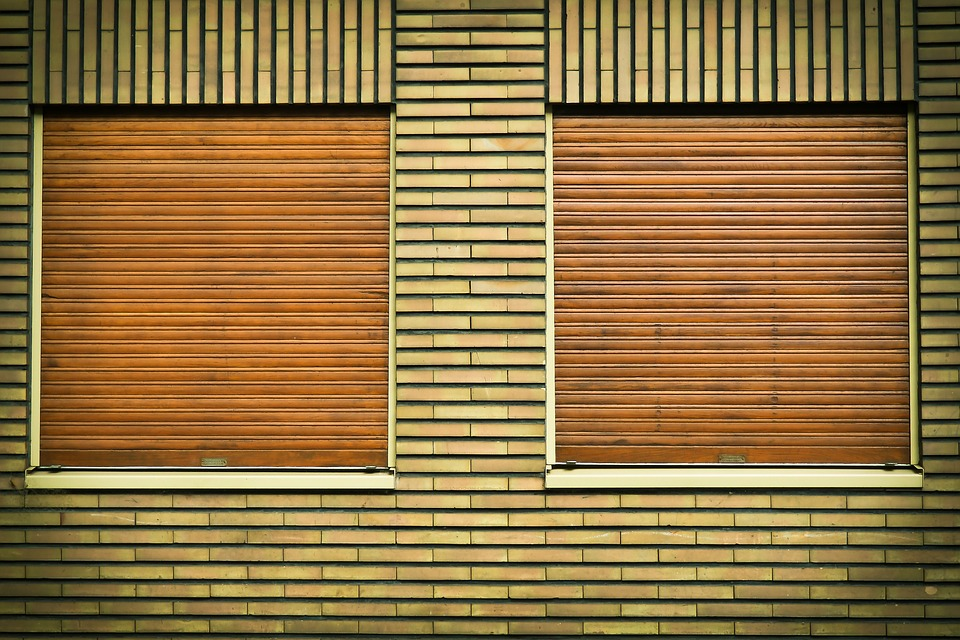 Rolleaden-aus-Holz
